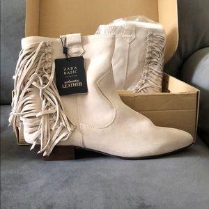 Zara size 8 beige suede leather fringe boots